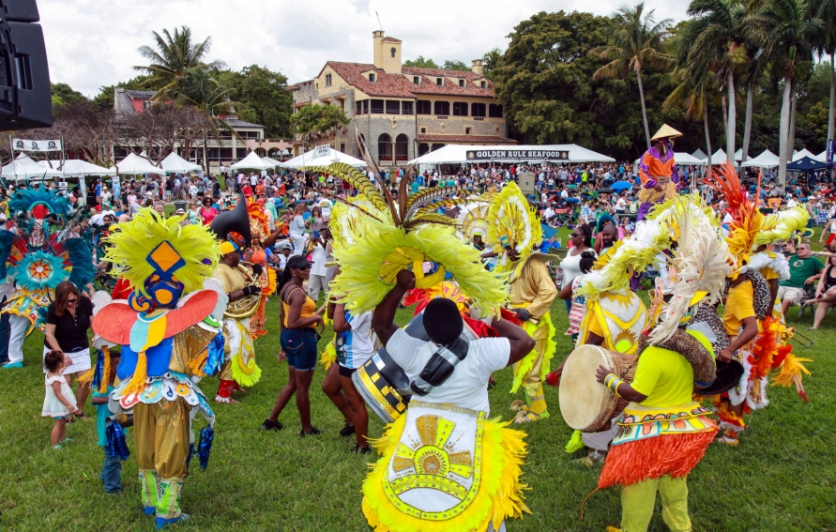 Bahamian Junkanoo entertain the crowds