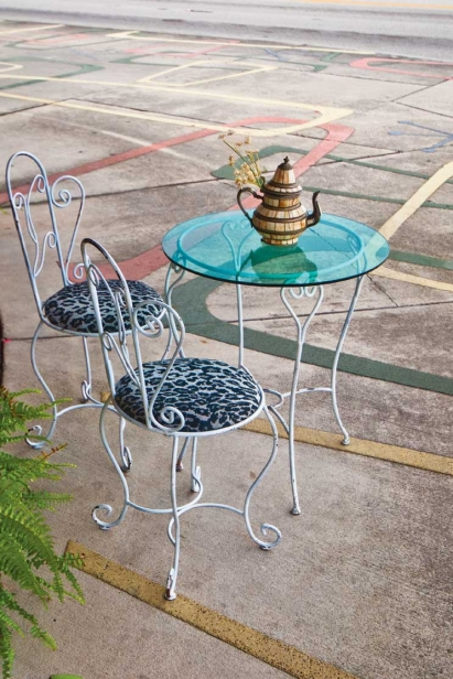 Table in front of Fly Boutique Vintage