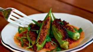 Roasted Okra with Coconut Stuffing in Tomato Curry Leaf Sauce